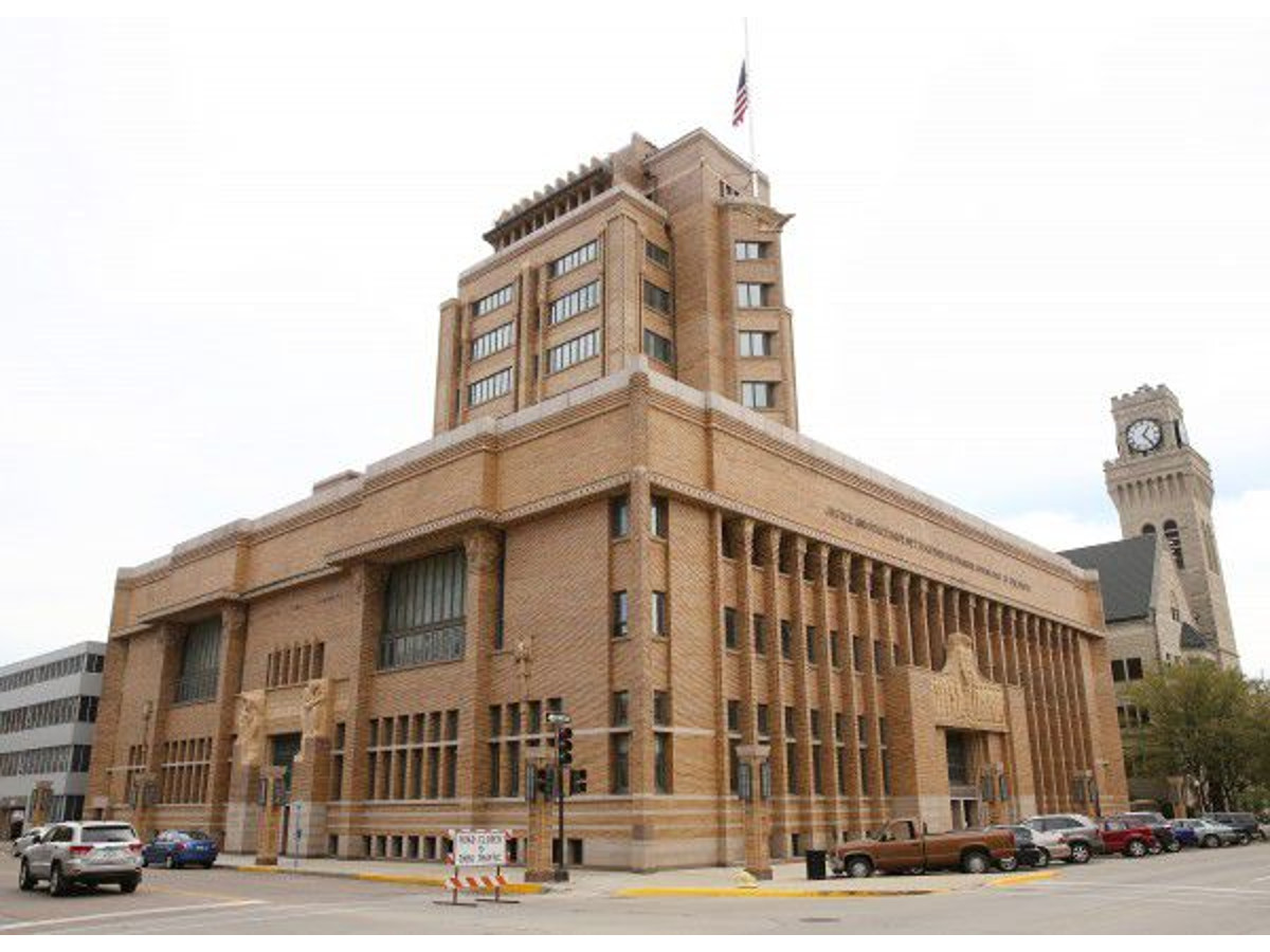 Tickets for Woodbury County Courthouse centennial banquet on sale